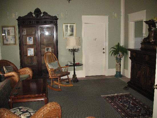 Hotel DeFuniak: Hotel sitting room