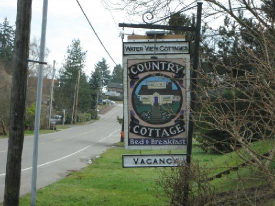 Country Cottage of Langley: Sign in front of B&B