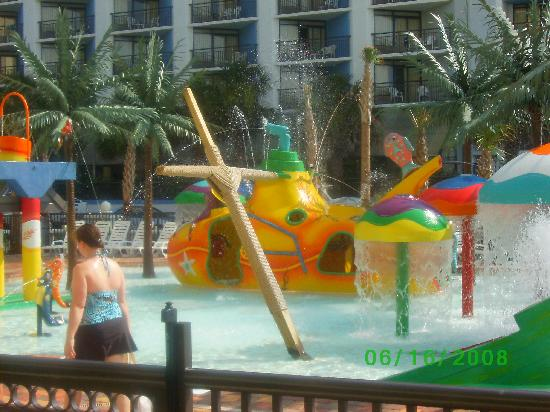 Sea Crest Oceanfront Resort: play park area for kids