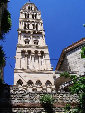 Villa Matejuska: Church tower at Split - great viewsfrom the top
