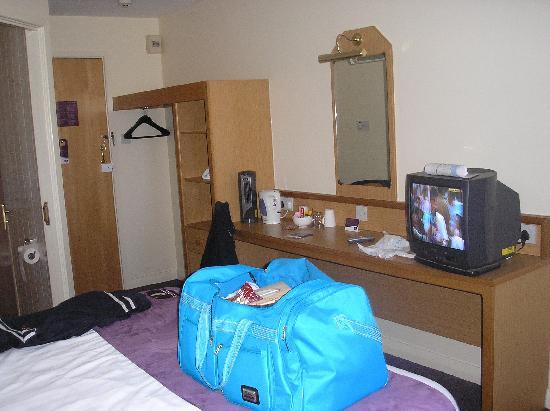 Premier Inn Blackpool (Bispham) Hotel: Room 59 pic 2
