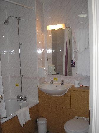 Premier Inn Blackpool (Bispham) Hotel: Room 59 pic 4