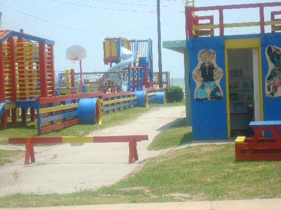 Oceanana Family Motel: Just one part of the huge playground!