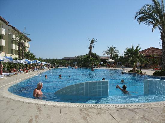 Sural Resort: Une des 2 piscines