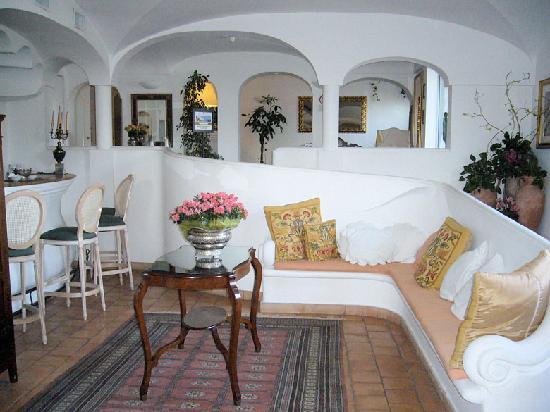 Hotel Covo dei Saraceni: lobby