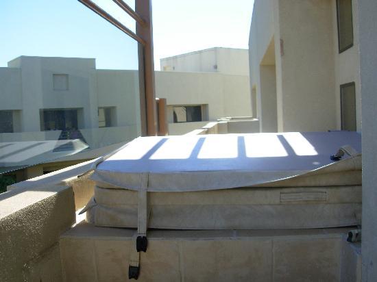 En Suite Bathrooms At The Cancun Resort In Las Vegas: Living Room, Penthouse Suite
