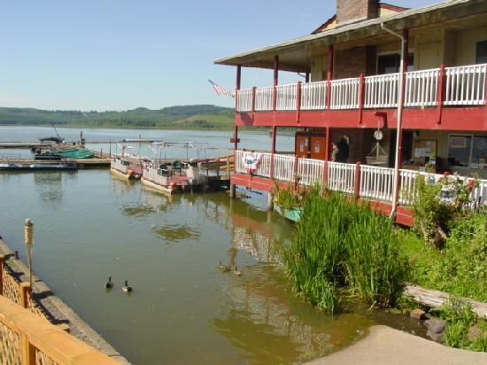 Silver lake resort prices lodge reviews silverlake for Silver lake washington fishing