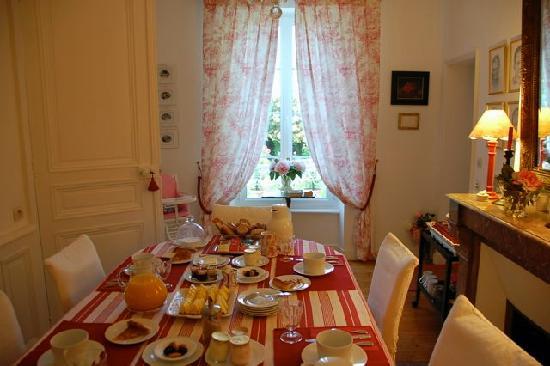 Clos de Bellefontaine : Breakfast