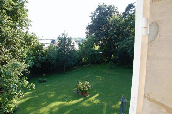 Clos de Bellefontaine : The garden
