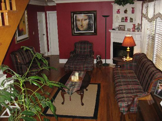 Carriage House Inn : The Sitting Area