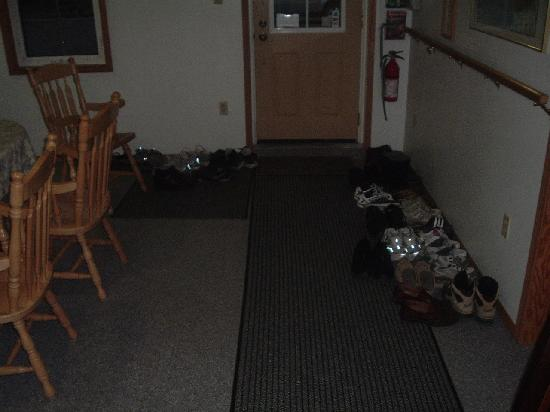 Air Force Lodge : Leave your shoes!