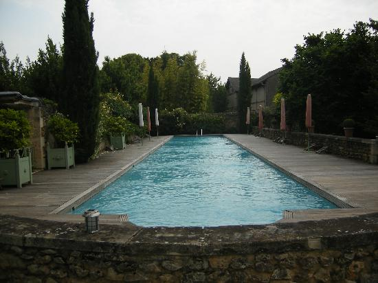 Les Orangeries : the hotel pool