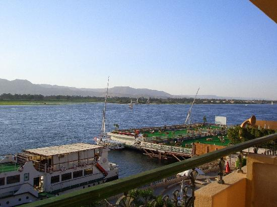 Steigenberger Nile Palace Luxor: Right view from our balcony