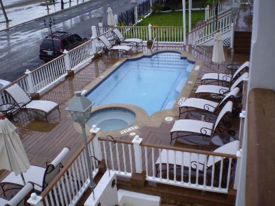 Hotel Victoriano: pool area
