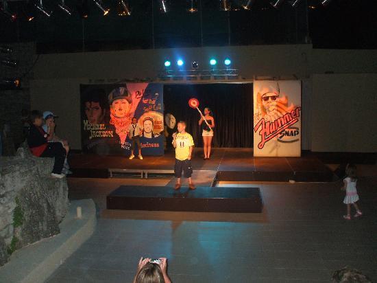 Sani Club: show time