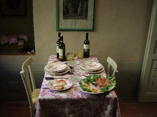 Residenza Strozzi: Tuscan meal