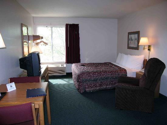 Days Inn & Suites Madison: Days Inn Madison Room 209
