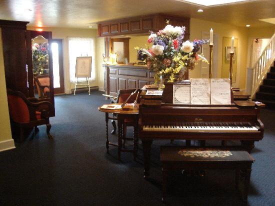 Church Hill Inn: Lobby