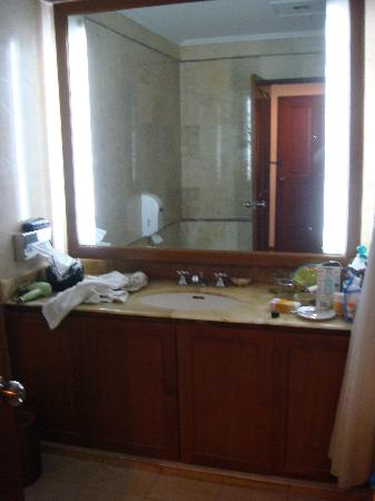 Parigata Resort & Spa: Bathroom