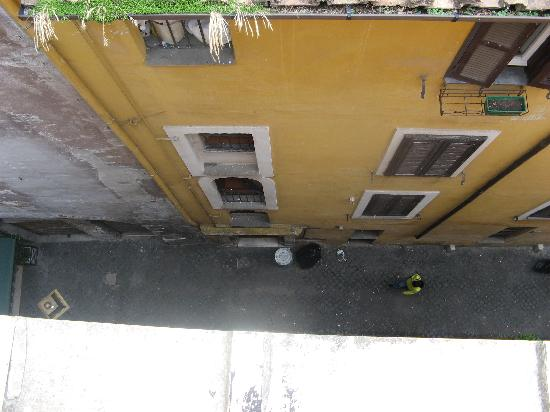 Residenza Canali ai Coronari: Looking down from terrace