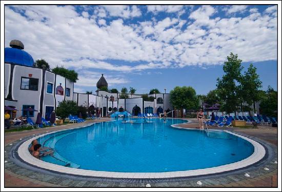 Rogner Bad Blumau: piscina esterna
