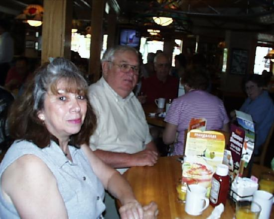 Applebee's Restaurant : Monica and Ray at breakfast in the bar area