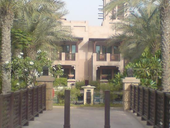 Jumeirah Dar Al Masyaf at Madinat Jumeirah: Dar Al Masyat Walkway to Beach
