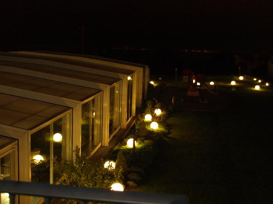 Augusta Spa Resort: vista balcon nocturna