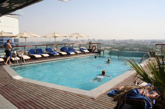 Hilton Dubai Creek : the pool