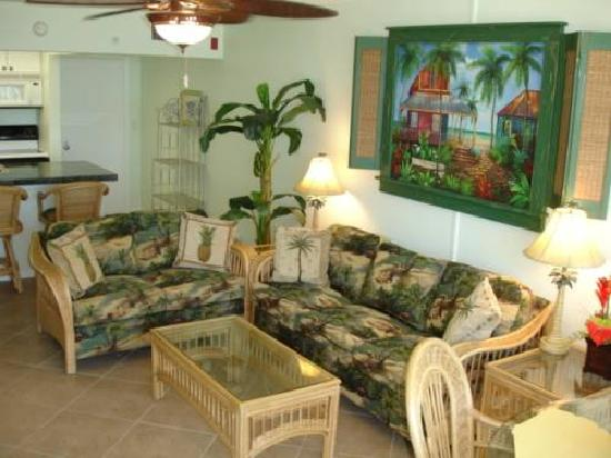 Island Beach Resort: lovely living room