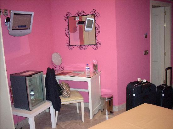 Caballero Errante Hotel: Una vista de nuestra habitación.