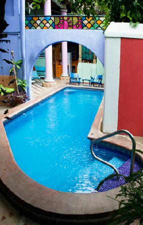 Hotel Casa Capricho: Fabulous cool pool