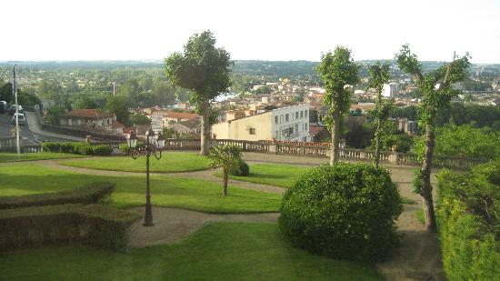 Angulema, Francia: town view from my bedroom