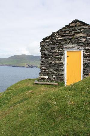 Blasket Islands: Ireland: co. Kerry - Great Blasket - The Yellow Door