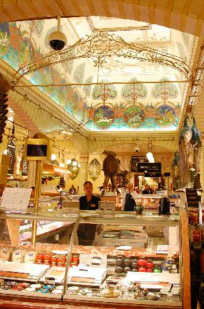 Londyn, UK: Harrod's Food Halls