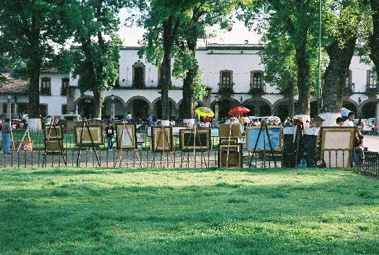 Los Escudos: the zocalo across the street