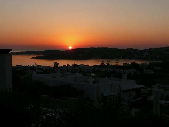 Paros Paradise Apartments: sunset view