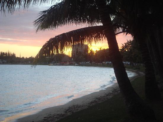 Noumea, New Caledonia: Anse Vata sunset