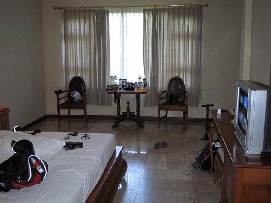 Hotel Puri Bambu: My Messy Room