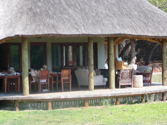 andBeyond Phinda Zuka Lodge: Zuka Lodge porch