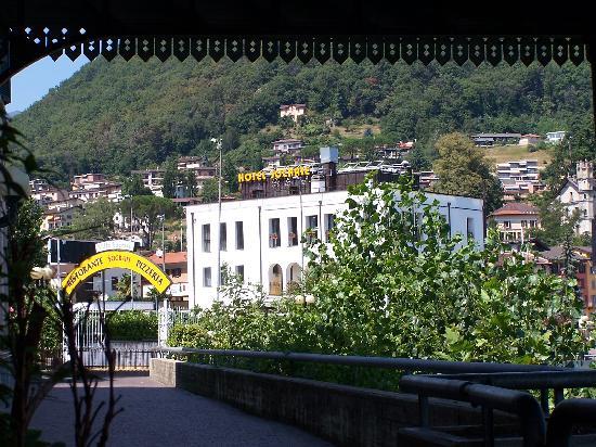 Hotel Socrate : Etienne