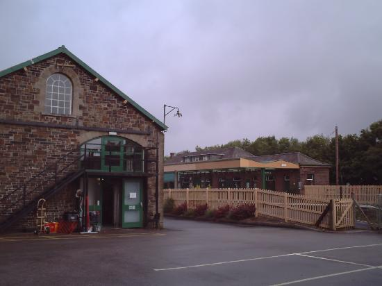YHA Okehampton: Hostel next to historic railway line