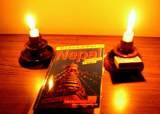Hotel Harati: Kerzenlicht statt Elektrizität