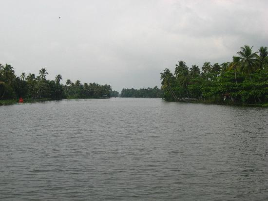 Alappuzha, Indien: Cruise thru the backwaters