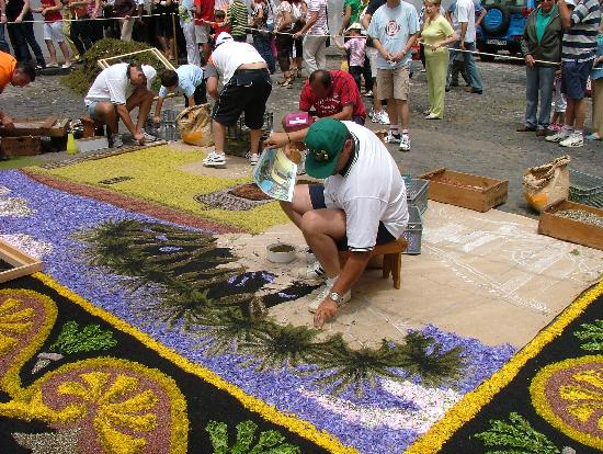 Hotel Alhambra: making 'the carpets' 2008
