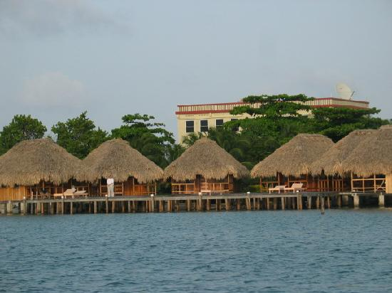 St. George's Caye Resort: Lagoon Cabanas over water