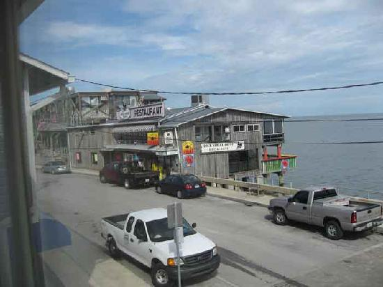 Dockside Hotel : View from Dockside Motel window