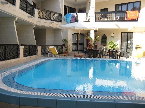 Pergola Hotel & Spa: Piscine extérieure