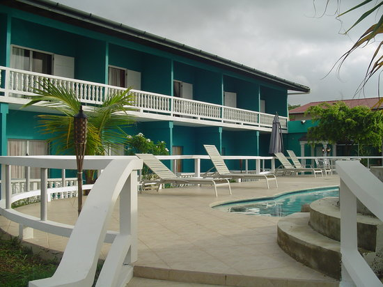 Manzanilla, Trinidad: back of hotel