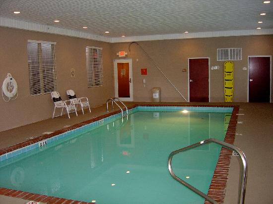 Holiday Inn Norton: Heated indoor swimming pool, right at the corner of Park Ave. and 11th St.